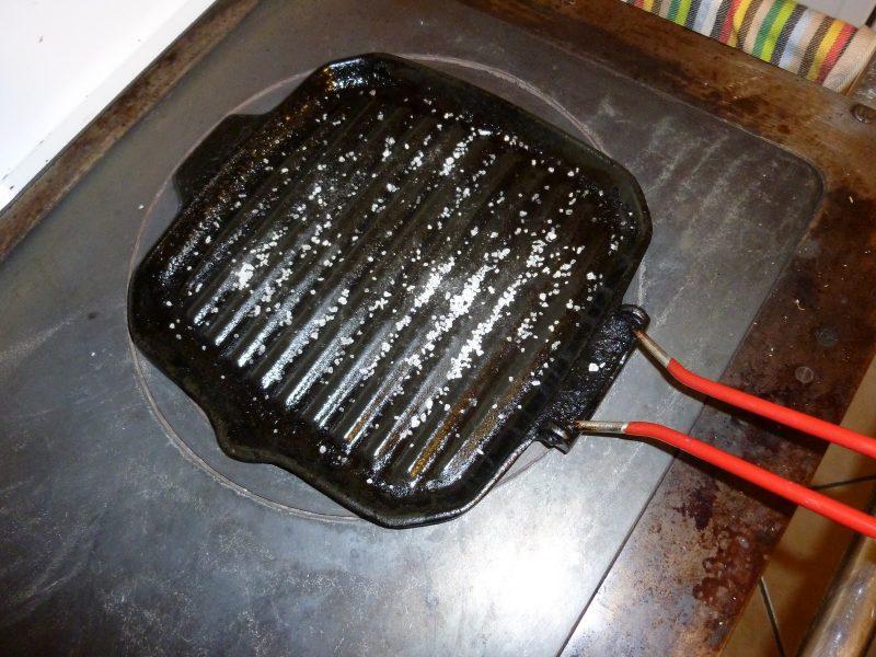 bistecchiera vecchia smaltire