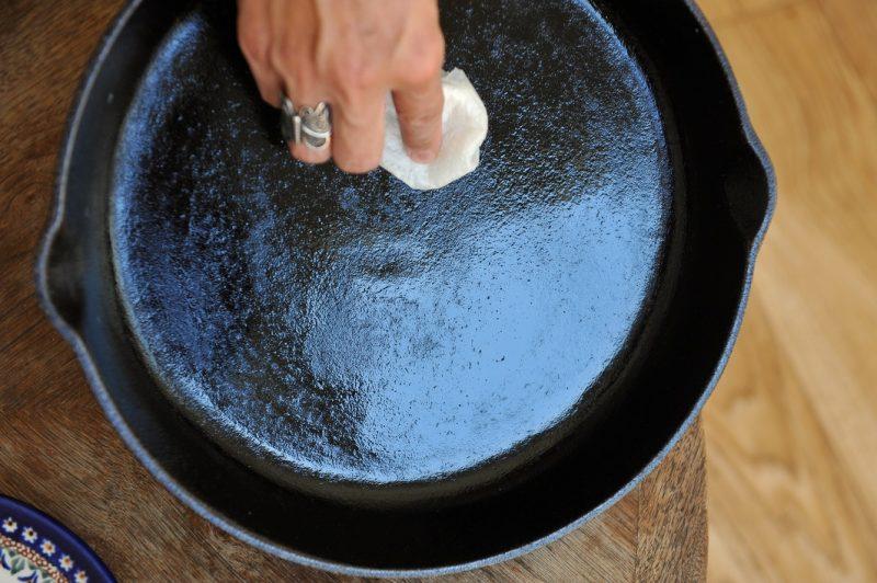 bistecchiere per il forno pulire